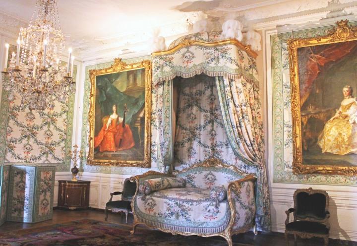 Versailles Room